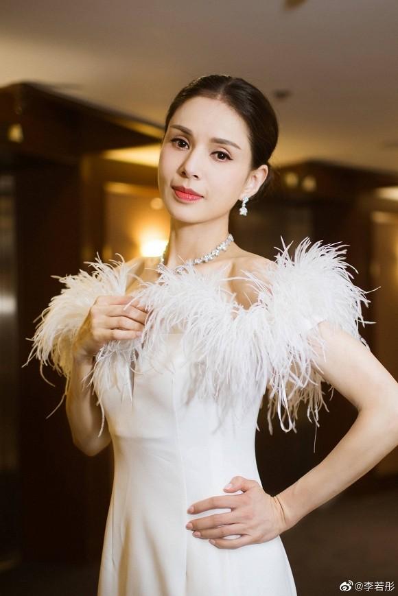 """Mỹ nhân Hoa ngữ đáp trả chỉ trích """"sao chưa kết hôn"""": Tần Lam khiến antifan phải """"tắt đài"""" ảnh 4"""