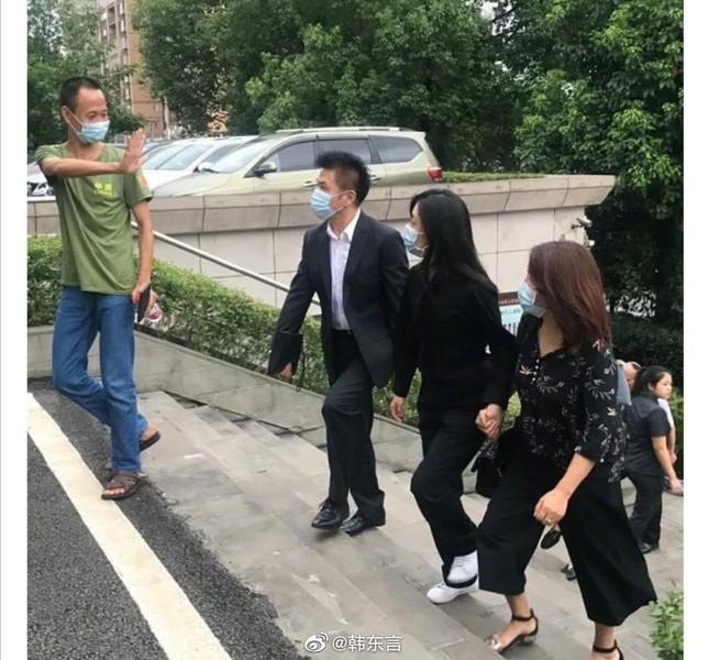 Hai năm sau cái chết của mẹ Đàm Tùng Vận, kẻ gây tai nạn chỉ phải chịu mức án phạt nhẹ ảnh 1
