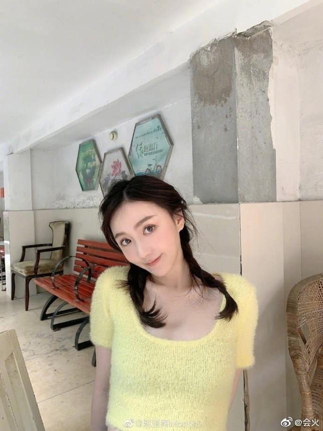 """Hết Nhậm Hào (R1SE) bị tố hẹn hò lại đến Hạ Chi Quang, dân mạng """"cà khịa"""": """"Anh em tốt!"""" ảnh 5"""