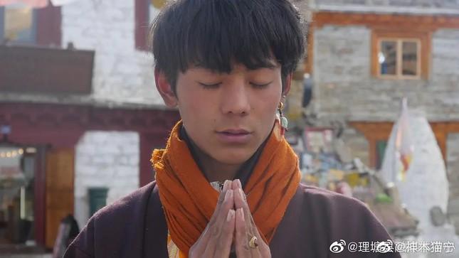 """Hotboy người Tây Tạng tiết lộ bí mật nhỏ, phủ nhận tin đồn tham gia """"Sáng Tạo Doanh 4"""" ảnh 4"""