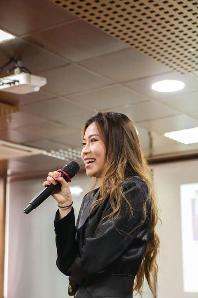 """Thử Thách Kim Cương 2020: Ngày đầu vui nhộn cùng dàn nữ diễn giả vừa đẹp vừa """"chất"""" ảnh 1"""