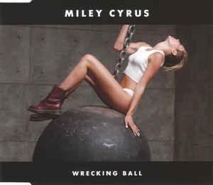 """VMAs 2020: Miley Cyrus trình diễn đu người, kỷ nguyên """"Wrecking Ball"""" sắp trở lại? ảnh 2"""