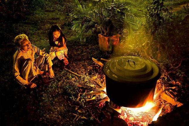 Cuộc thi viết Trà sữa cho tâm hồn: Tuổi thơ ấm mãi bên bếp lửa của ngoại ảnh 1