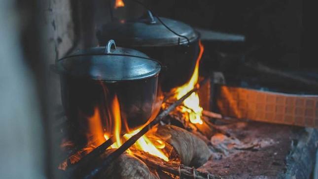 Cuộc thi viết Trà sữa cho tâm hồn: Tuổi thơ ấm mãi bên bếp lửa của ngoại ảnh 3