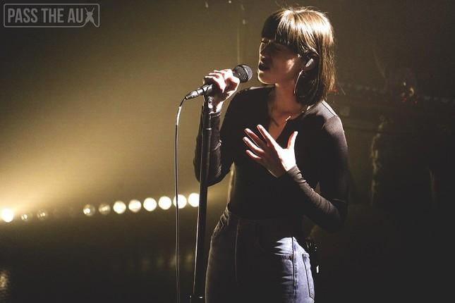 Trong thế giới fangirl: Sasha Sloan và âm nhạc của cô như ánh Trăng dịu dàng ảnh 2