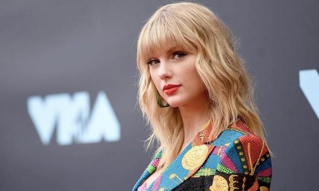 Trong thế giới fangirl: Thanh xuân này đáng giá vì Taylor Swift đã xuất hiện trong đời ảnh 3
