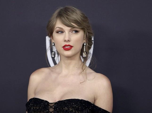Trong thế giới fangirl: Thanh xuân này đáng giá vì Taylor Swift đã xuất hiện trong đời ảnh 1