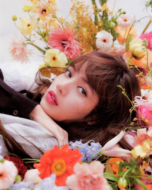 Trong thế giới fangirl: Lisa là đôi cánh để tôi bay trên những giấc mơ không dám thực hiện ảnh 2