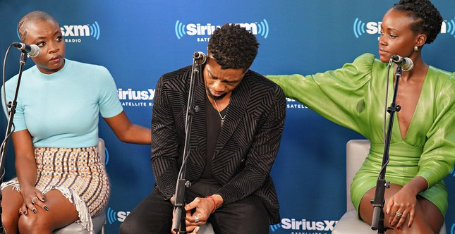 """Cảm động khi """"Black Panther"""" Chadwick Boseman tiếp thêm sức mạnh cho trẻ mắc bệnh ung thư ảnh 5"""