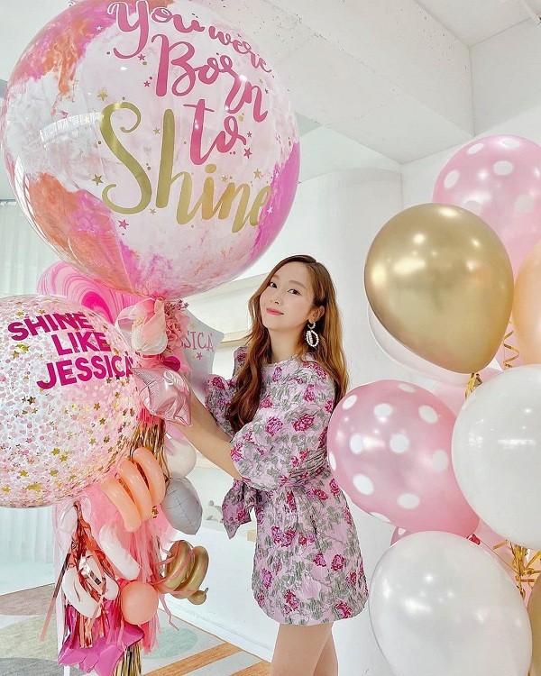 """Độc giả đáng yêu nhất của """"Shine"""": Không ai khác ngoài Krystal, luôn ủng hộ Jessica! ảnh 5"""