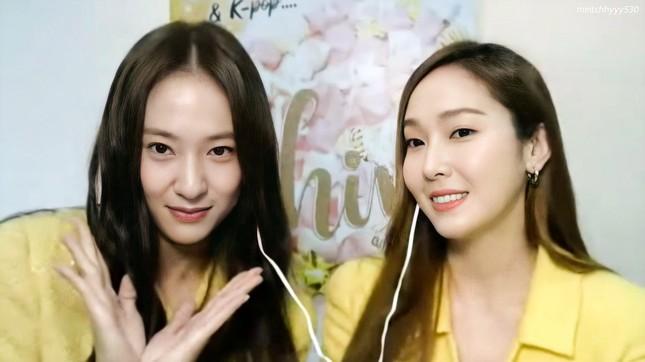 """Độc giả đáng yêu nhất của """"Shine"""": Không ai khác ngoài Krystal, luôn ủng hộ Jessica! ảnh 3"""