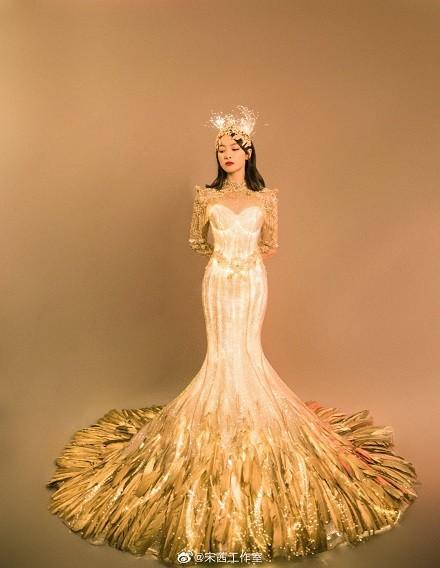 Đời buồn Nữ thần Kim Ưng Tống Thiến: Váy đã không đẹp, múa cũng bị chê xấu luôn! ảnh 2