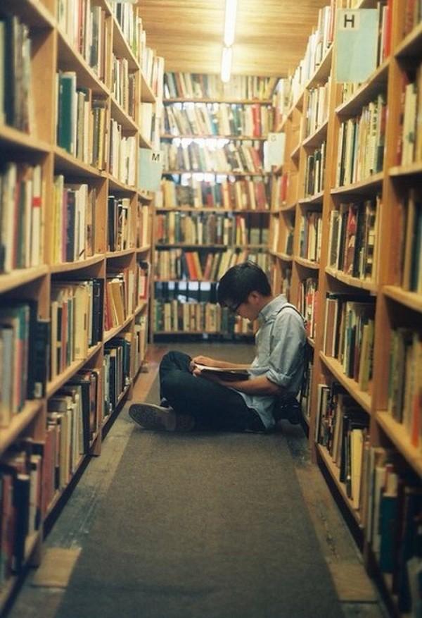 Bạn đọc sáng tác: Gửi đến chàng trai trong thư viện, người ngồi phía trước em ảnh 1