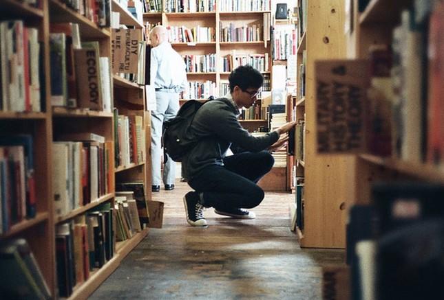 Bạn đọc sáng tác: Gửi đến chàng trai trong thư viện, người ngồi phía trước em ảnh 2