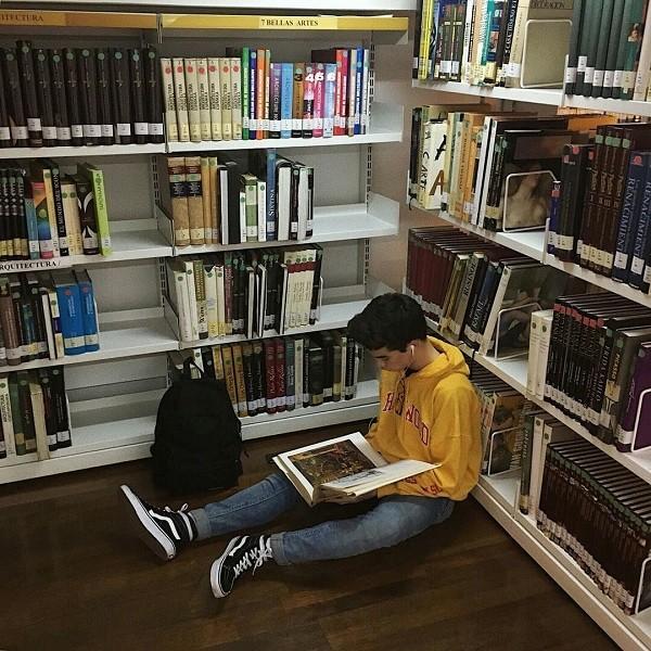 Bạn đọc sáng tác: Gửi đến chàng trai trong thư viện, người ngồi phía trước em ảnh 4