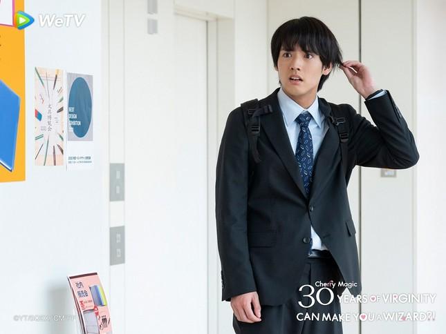 """Akaso Eiji của """"30 Tuổi Còn Zin"""": Thành công nhờ thực lực chứ không chỉ ngoại hình ảnh 14"""