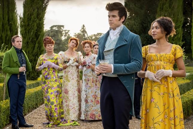 """Chân dung gia đình thượng lưu """"Bridgerton"""" của Netflix: Trai thì xinh, gái thì đẹp! ảnh 11"""