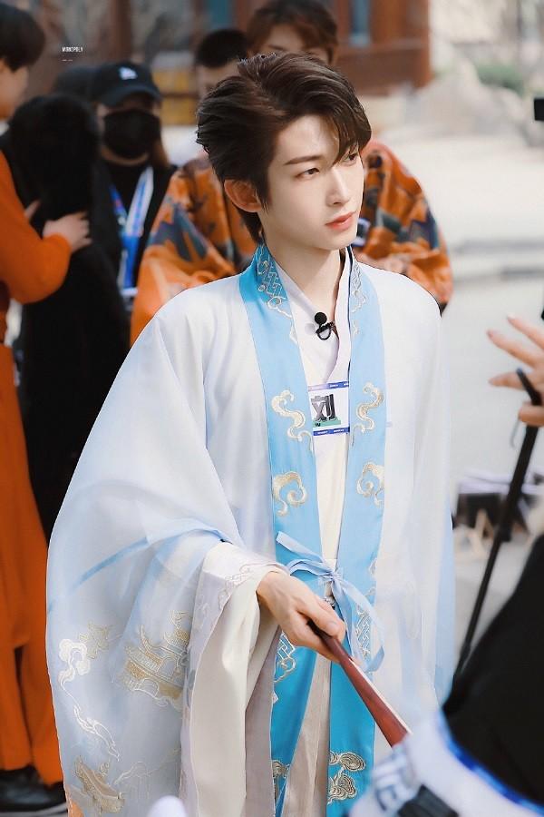"""Lưu Vũ của """"Sáng Tạo Doanh 2021"""": Là mỹ nam cổ trang TikToker nổi tiếng, được Cúc Tịnh Y cổ vũ ảnh 1"""