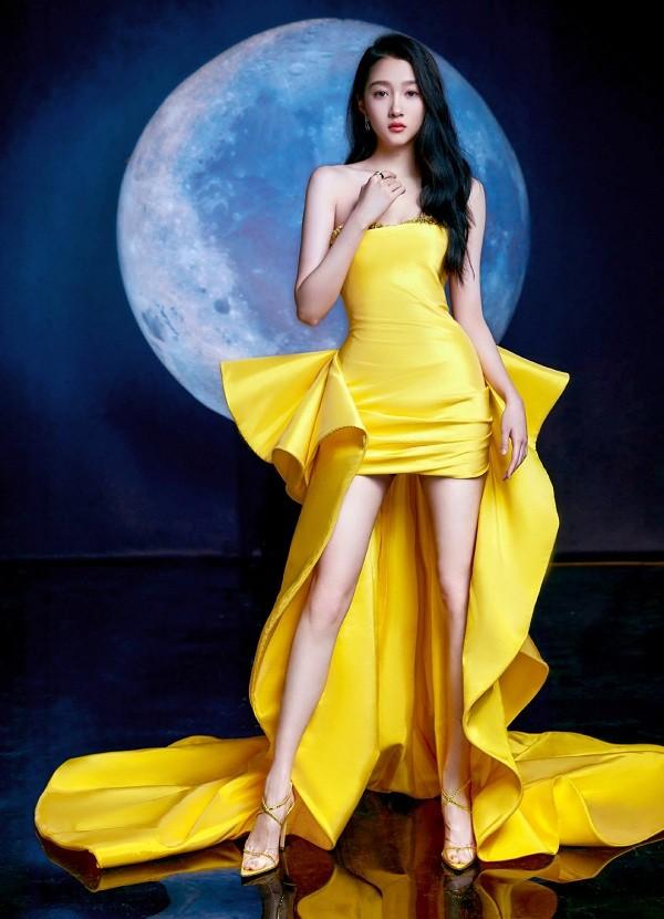 """Những """"công chúa nhỏ"""" của showbiz Hoa ngữ dậy thì thành công: Dương Tử gây bất ngờ nhất! ảnh 6"""