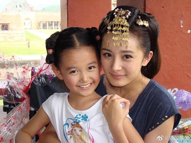"""Những """"công chúa nhỏ"""" của showbiz Hoa ngữ dậy thì thành công: Dương Tử gây bất ngờ nhất! ảnh 15"""