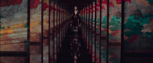 """Đặt bàn cân hai phiên bản """"Âm Dương Sư"""": Triệu Hựu Đình Hollywood, Trần Khôn đậm châu Á ảnh 11"""