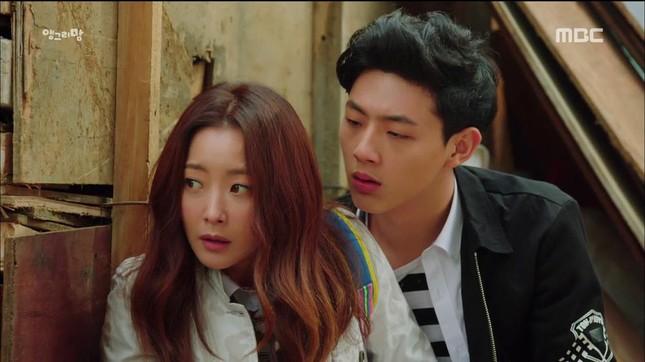 """Miệt mài chục năm vai phụ, vừa lên đời vai chính Ji Soo đã tự chôn vùi sự nghiệp vì """"phốt"""" ảnh 1"""