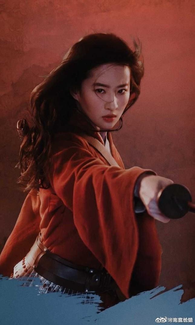 """The Saturn Awards: Mặc Mulan bị """"ghẻ lạnh"""", Lưu Diệc Phi vẫn nhận đề cử Nữ chính xuất sắc ảnh 4"""