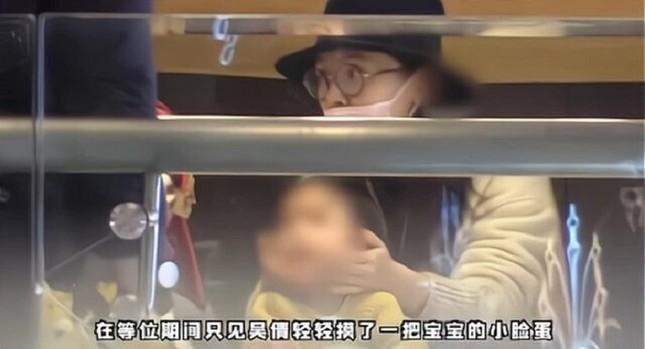 Thừa nhận có con nhưng vì sao Trương Vũ Kiếm vẫn nhận phải phản ứng gay gắt từ netizen? ảnh 1