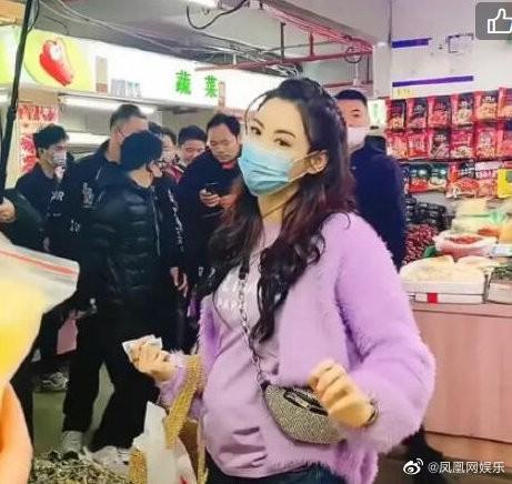 Trương Bá Chi lộ ảnh vòng hai to: Nghi vấn mang thai lần 4, tái hợp Tạ Đình Phong? ảnh 5