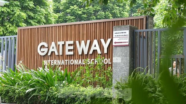 Bé trai lớp 1 tử vong trên ô tô: Trường Gateway có mức học phí bao nhiêu? ảnh 4