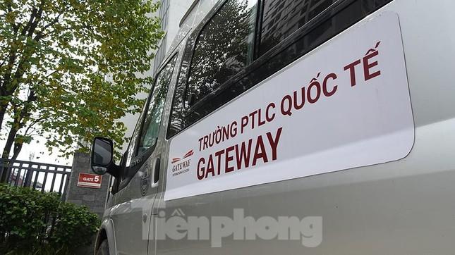 Bé trai lớp 1 tử vong trên ô tô: Trường Gateway có mức học phí bao nhiêu? ảnh 1