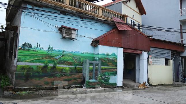 Mãn nhãn với làng bích họa siêu thực ngay tại Hà Nội ảnh 10