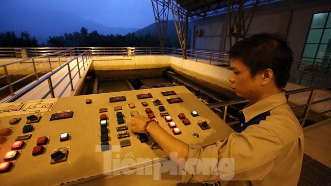 Toàn cảnh nhà máy nước sông Đà, nơi nguồn nước sạch cho Thủ đô đang bị đe dọa ảnh 14