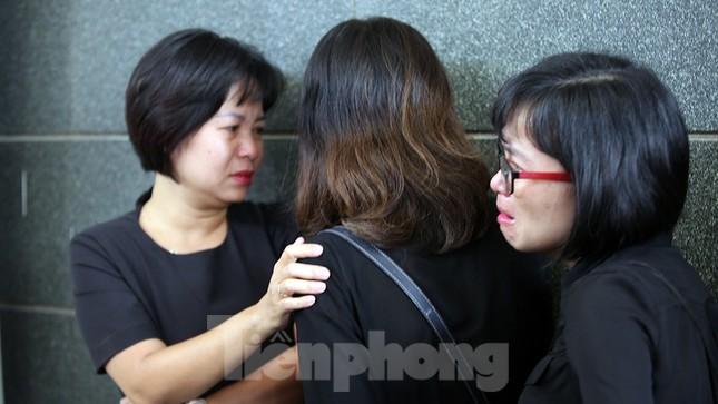 Dòng người nghẹn ngào tiễn biệt Thứ trưởng Giáo dục Lê Hải An ảnh 8