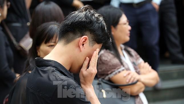 Dòng người nghẹn ngào tiễn biệt Thứ trưởng Giáo dục Lê Hải An ảnh 12