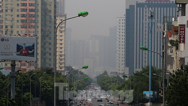 Hà Nội lại chìm trong ô nhiễm, khuyến cáo người dân hạn chế ra đường ảnh 10