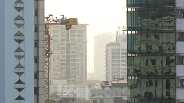 Hà Nội lại chìm trong ô nhiễm, khuyến cáo người dân hạn chế ra đường ảnh 11