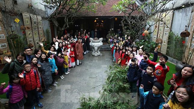 Rộn ràng lễ dựng Cây Nêu ở phố cổ Hà Nội ảnh 1