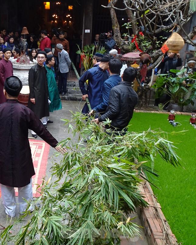 Rộn ràng lễ dựng Cây Nêu ở phố cổ Hà Nội ảnh 5