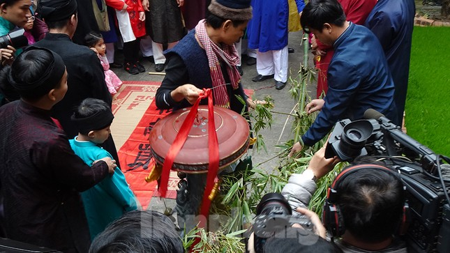 Rộn ràng lễ dựng Cây Nêu ở phố cổ Hà Nội ảnh 7