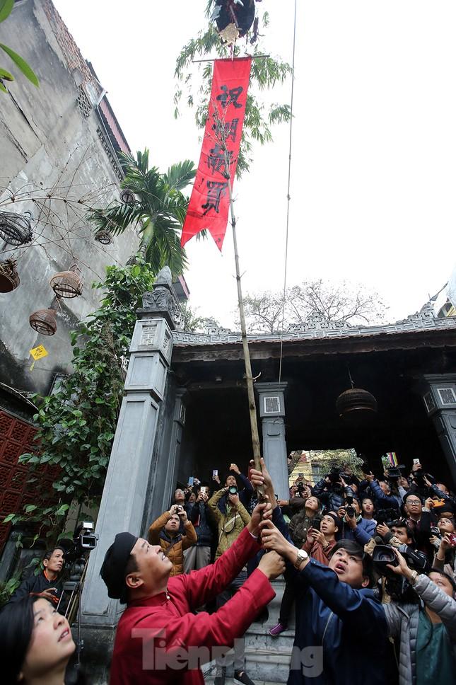 Rộn ràng lễ dựng Cây Nêu ở phố cổ Hà Nội ảnh 12