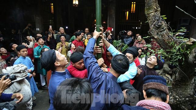 Rộn ràng lễ dựng Cây Nêu ở phố cổ Hà Nội ảnh 13
