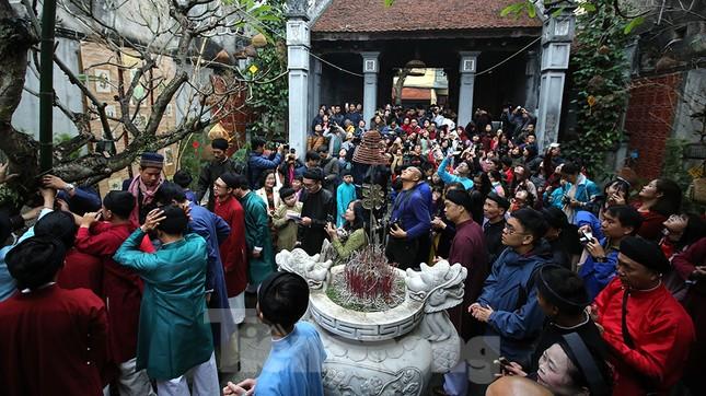 Rộn ràng lễ dựng Cây Nêu ở phố cổ Hà Nội ảnh 15