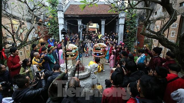 Rộn ràng lễ dựng Cây Nêu ở phố cổ Hà Nội ảnh 18