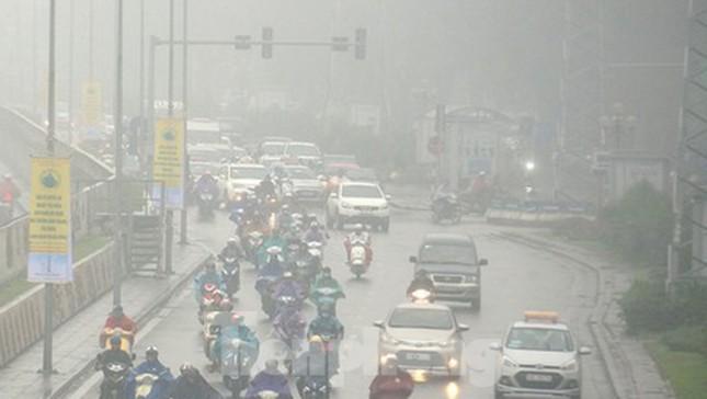 Mưa phùn phủ khắp Hà Nội ngày 27 Tết ảnh 1