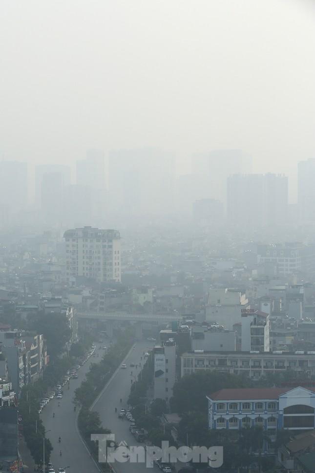 Mưa phùn phủ khắp Hà Nội ngày 27 Tết ảnh 4