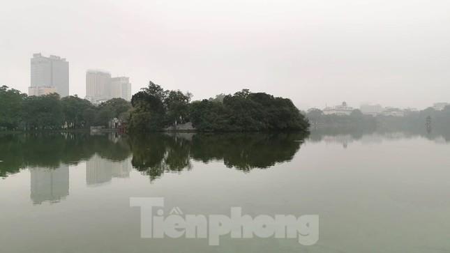 Mưa phùn phủ khắp Hà Nội ngày 27 Tết ảnh 8