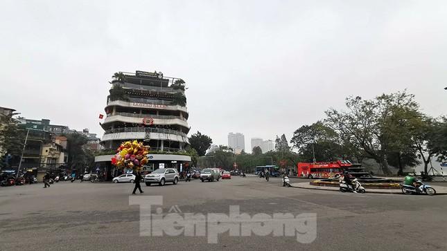 Mưa phùn phủ khắp Hà Nội ngày 27 Tết ảnh 10