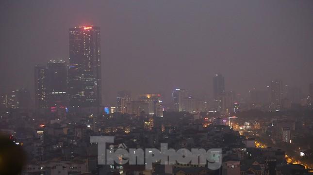 Mưa phùn phủ khắp Hà Nội ngày 27 Tết ảnh 13