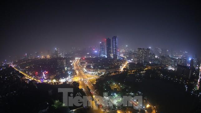 Mưa phùn phủ khắp Hà Nội ngày 27 Tết ảnh 14